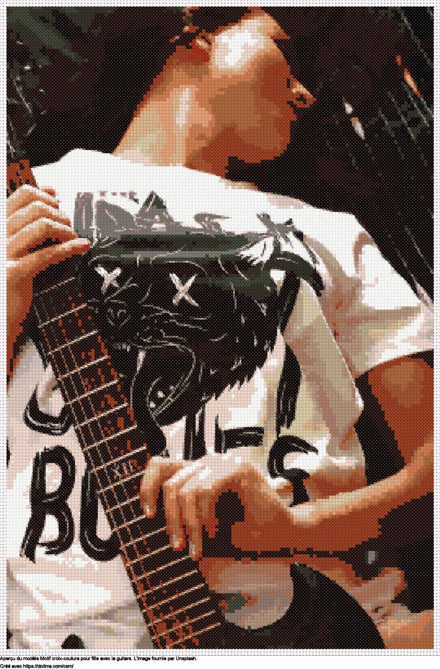 Motif de point de croix Fille avec la guitare gratuit